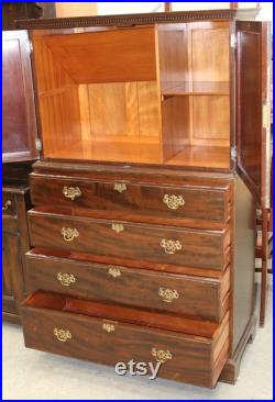 1900's Maple and Co Mahogany Chest Drawers with Linen Cupboard at Top