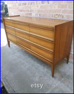 Free and Insured Shipping Within US United Mid Century Modern Dresser